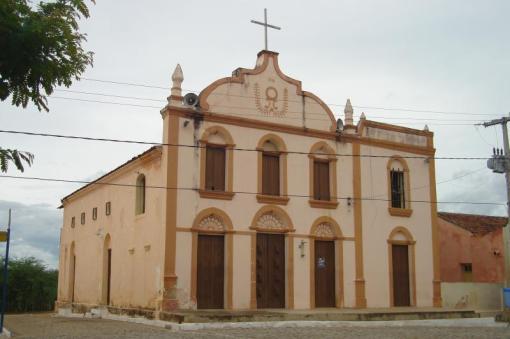 """Coxixola-PB (Foto de Inês Tavares). Nesta igreja batizou-se a minha mãe e muitos dos mues familiares mais antigos, dos quais Coxixola, """"A pequena notável"""", é o berço amado."""