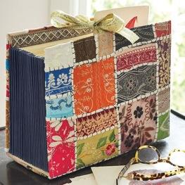Seu arquivo de pastas suspensas ganha roupa nova, em patchwork!