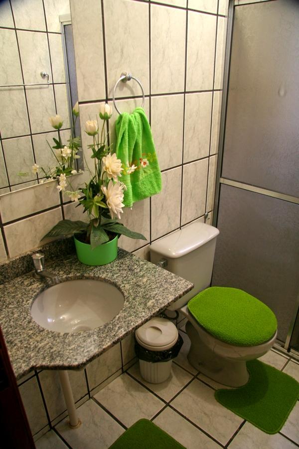 Para colorir um banheiro cinza...