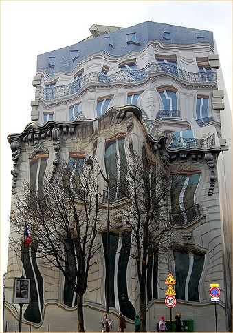 predio-strange-building-in-paris-1